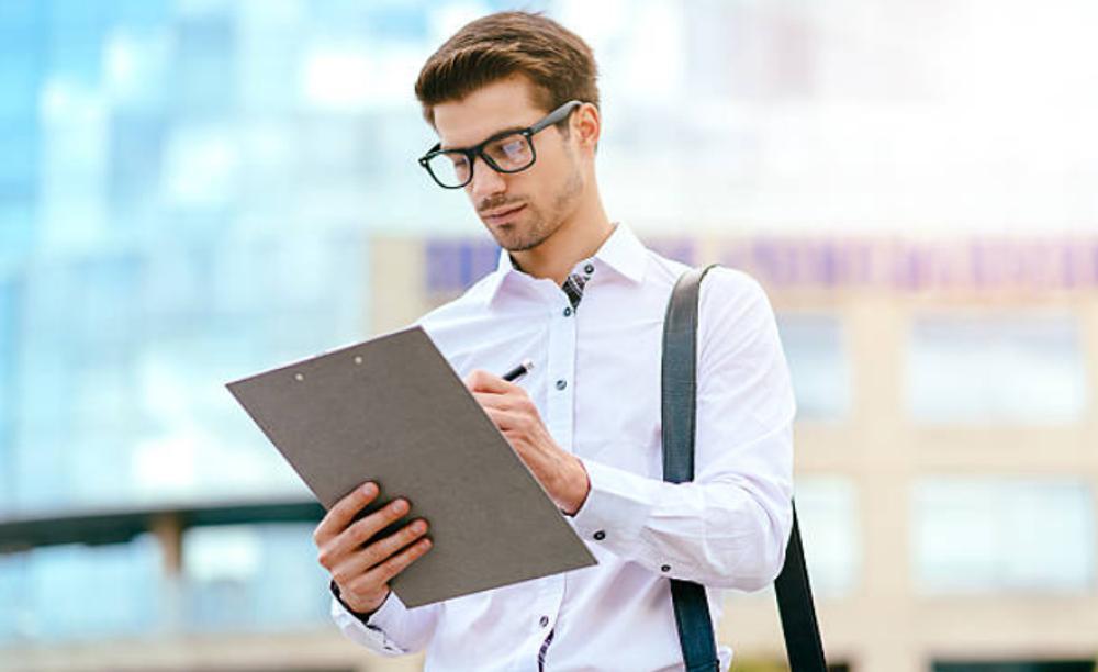 Cómo conseguir un trabajo como un perito colegiado